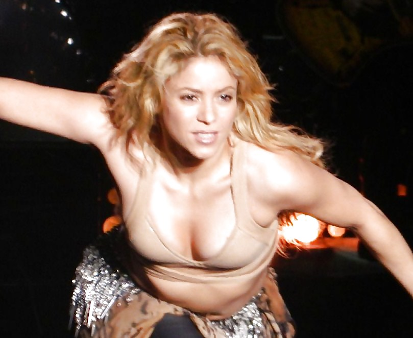 Nude shakira dancer